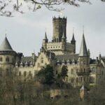 Немецкий принц подал в суд на сына, продавшего фамильный замок за 1 евро