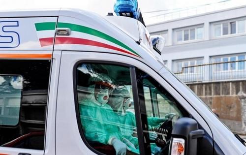 """Путают с облавами полиции: в Италии мафиози запрещают """"скорым"""" пользоваться сиреной"""