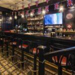 Британцев призвали выпить 70 литров пива для спасения пабов