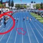 В Китае оператор ради эффектного кадра бежал быстрее участников забега. Видео