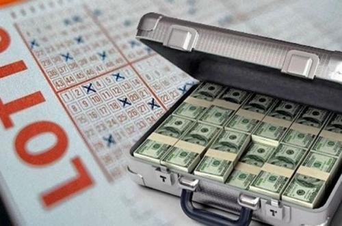 Американец 10 лет скрывал от родственников крупный выигрыш в лотерею