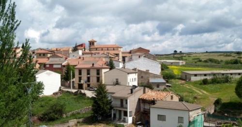 Испанский городок заманивает новых жителей работой и бесплатным жильем: условия переезда